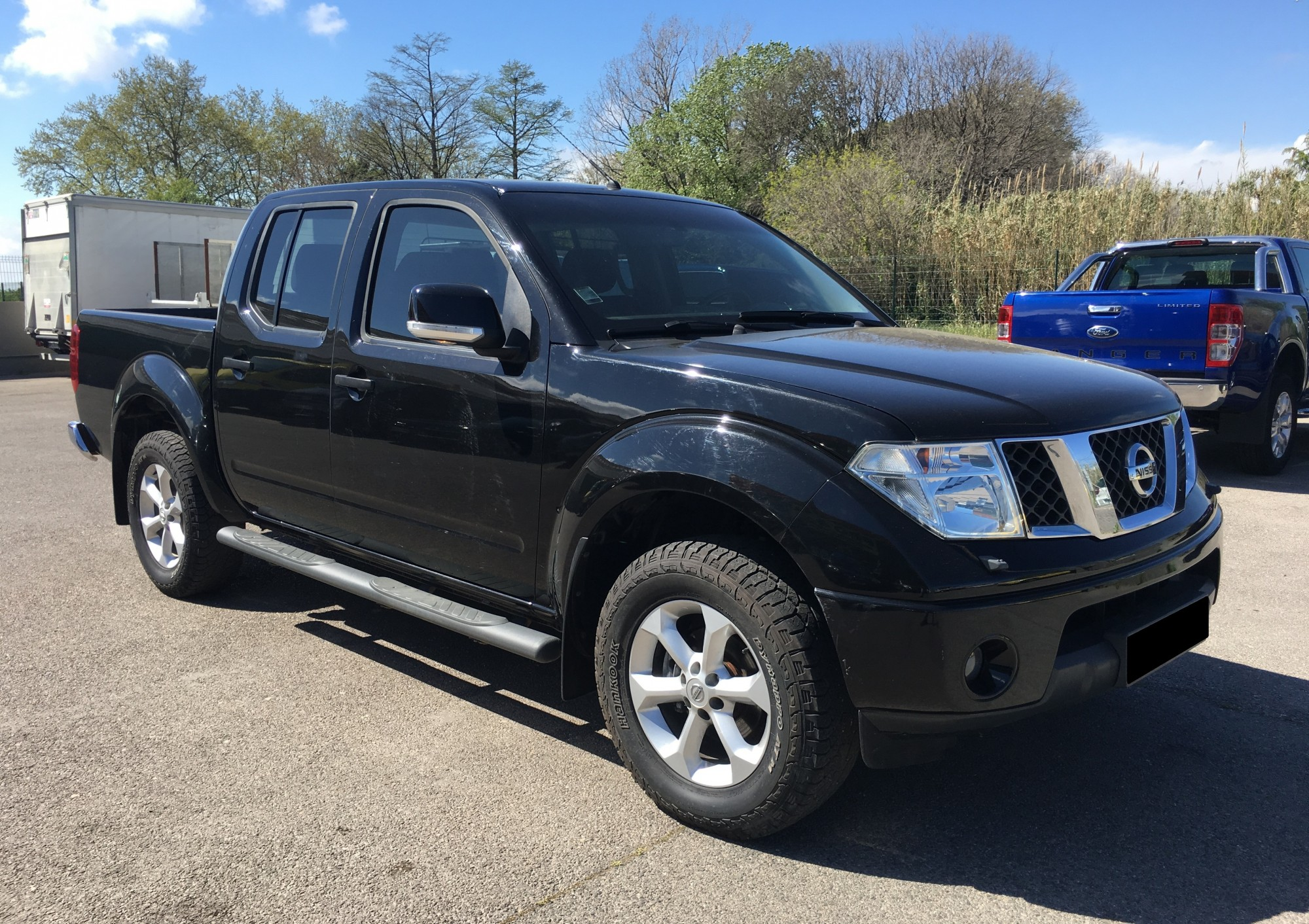 nissan navara 2 5 dci 190 ch 4x4 double cabine xe de 2013 voir dans les bouches du rh ne. Black Bedroom Furniture Sets. Home Design Ideas