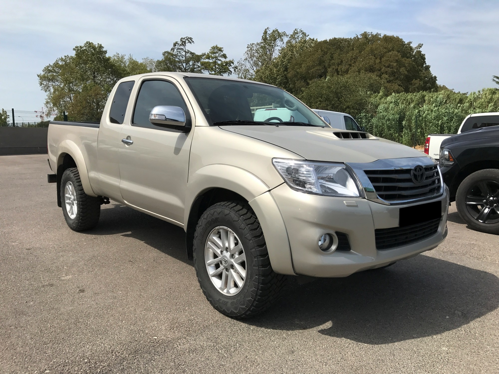 toyota pick up occasion belgique 9 800 000fcfa toyota pickup hilux 4x4wd version 2012 occasion. Black Bedroom Furniture Sets. Home Design Ideas