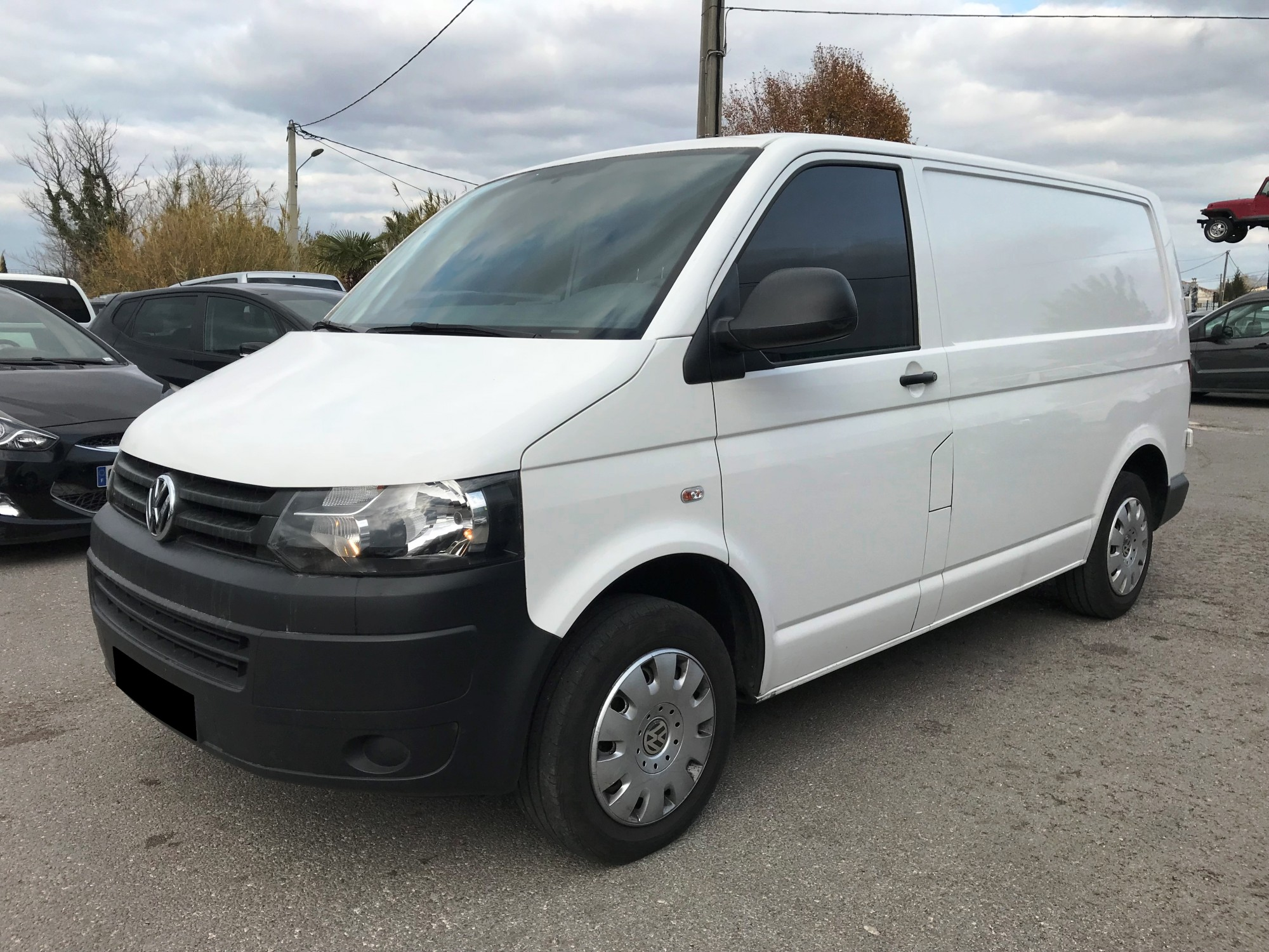 volkswagen transporter 2 0 tdi 140 ch business line dsg7 2015 tva voir dans les bouches du. Black Bedroom Furniture Sets. Home Design Ideas