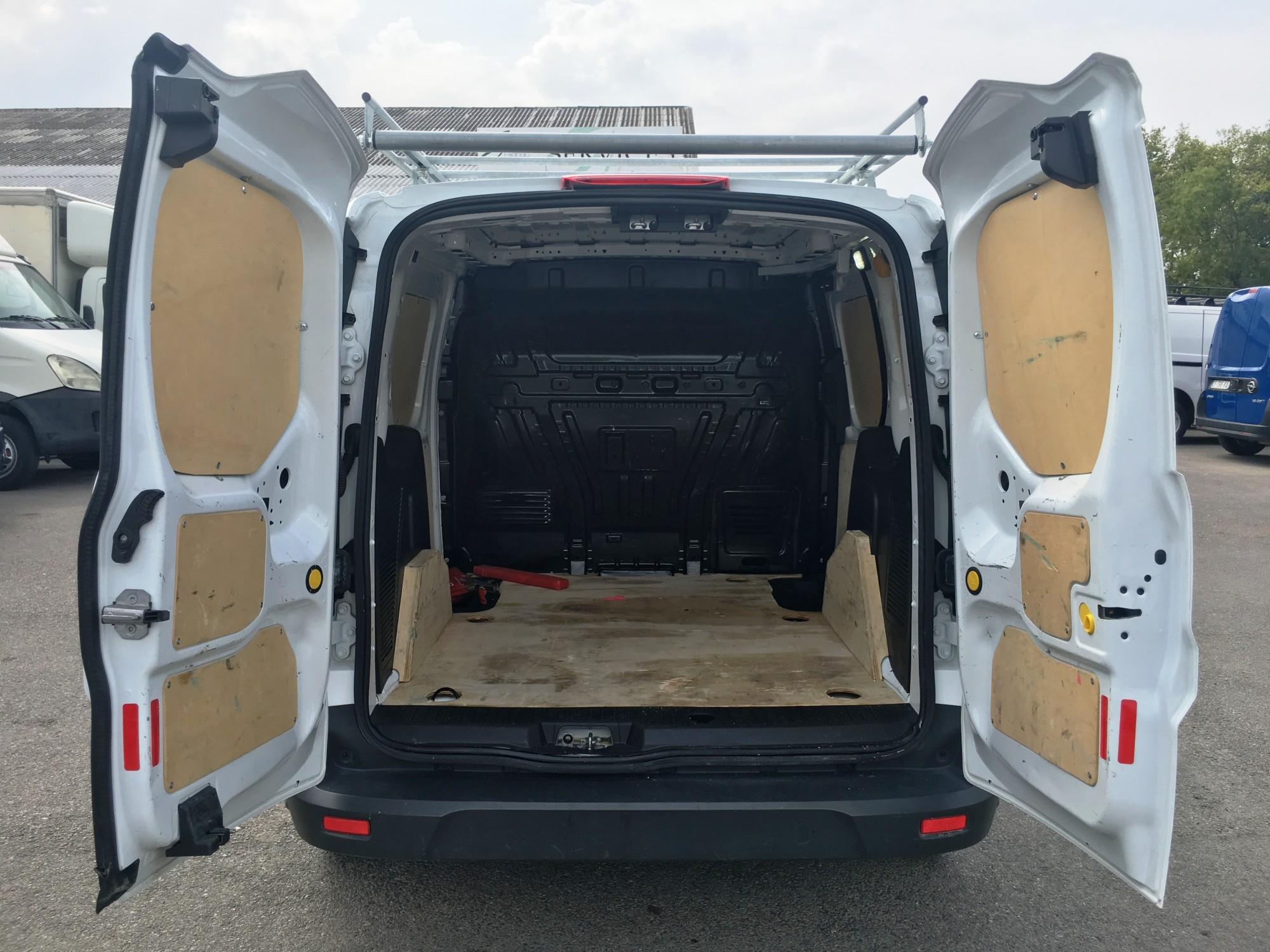 ford transit connect 1 6 tdci 75 ch clim galerie bois voir dans les bouches du rhone proche de. Black Bedroom Furniture Sets. Home Design Ideas