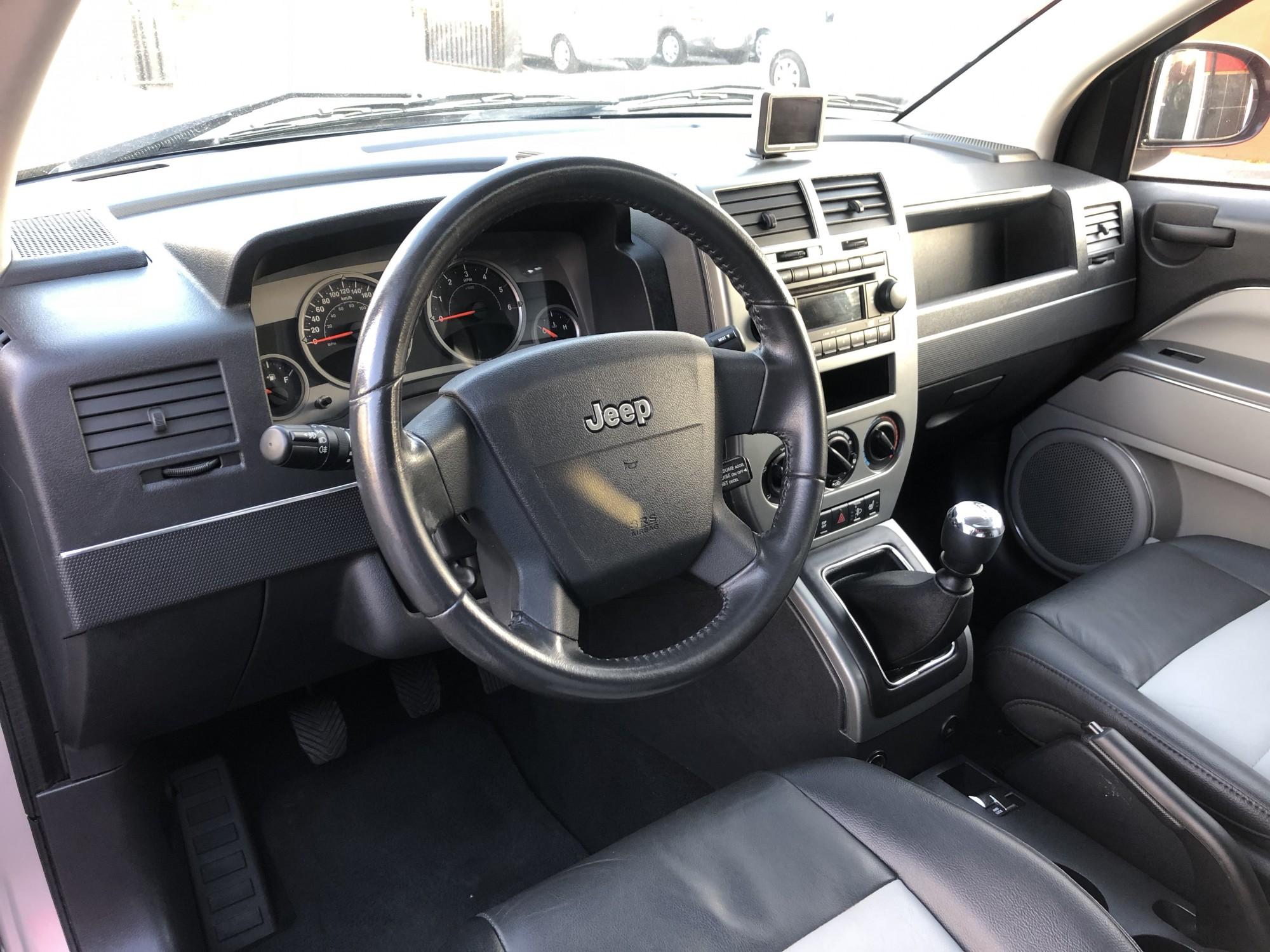 4x4 jeep compass 2 0 crd 140 ch limited de 2007 voir dans les bouches du rh ne proche de l. Black Bedroom Furniture Sets. Home Design Ideas