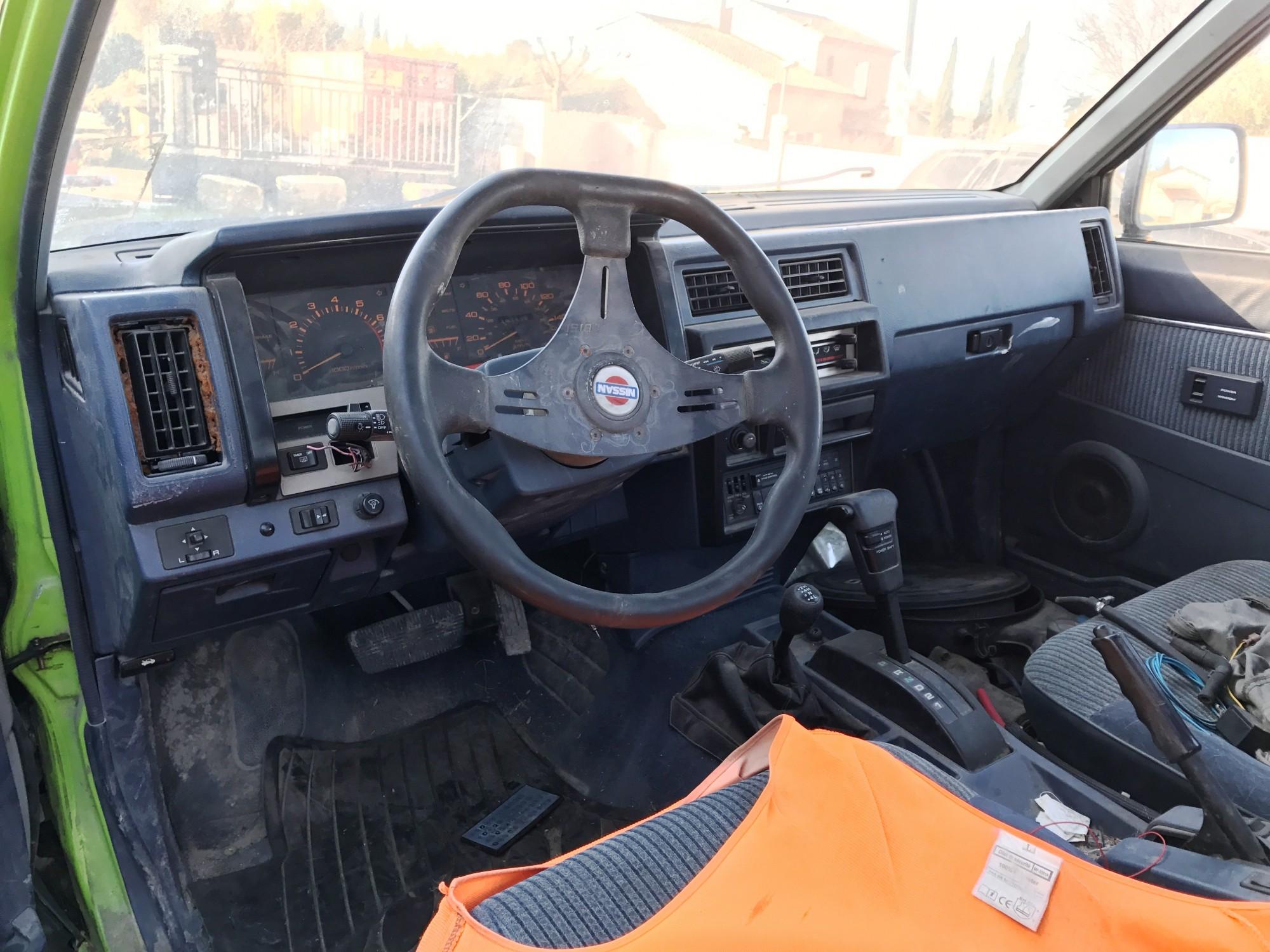 pi ces d tach es pour nissan d21 king cab pick up benne 101 ch dx auto de 1990 4x4. Black Bedroom Furniture Sets. Home Design Ideas