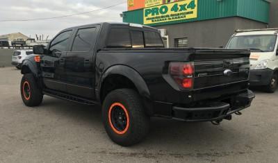 Ford Raptor f150 avec couvre benne noir et boite automatique de 2012 4x4 les pennes Mirabeau - pro fun 4x4