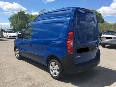 Fiat Doblo bleu surélevé - pro fun 4x4