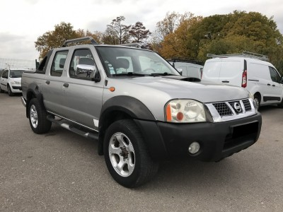 Nissan Navara 2.5 TDi 133 ch toutes options - pro fun 4x4