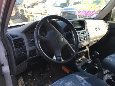 Pièces détachées pour Mitsubishi Pajero Long 3.2 DI-D 160 ch de 2004