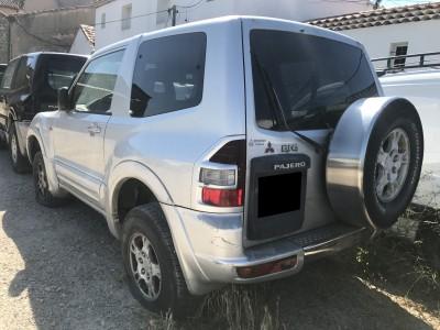 Pièces détachées pour Mitsubishi Pajero 3.2 DI-D 160 ch Elegance Court de 2002
